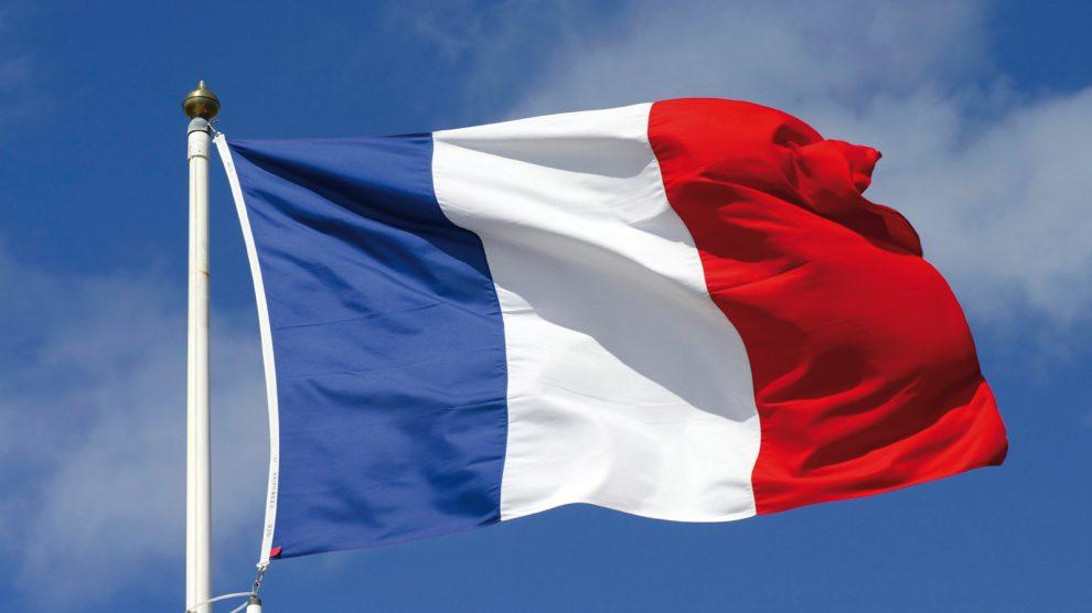 فرنسا ستعمم استخدام لغتها مكان الإنجليزية داخل مؤسسات الاتحاد الأوروبي عام ٢٠٢٢