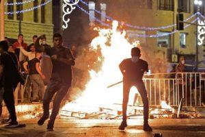 الفلسطينيون يقاومون اعتداءات الاحتلال الصهيوني