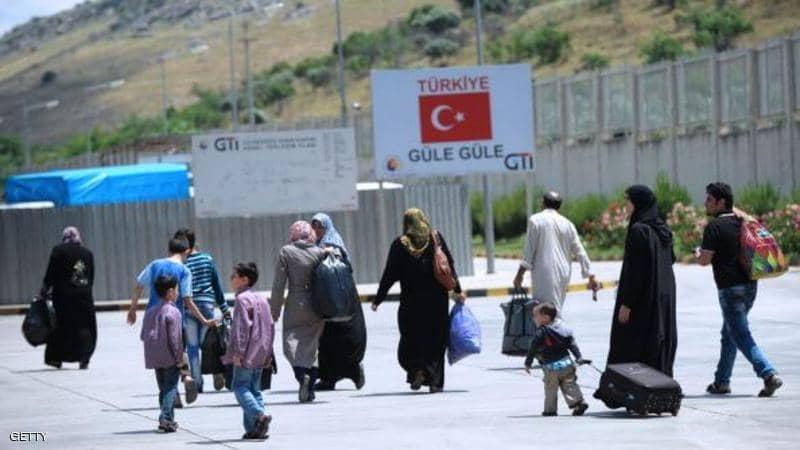 Hundreds of refugees leave Turkey for Syria