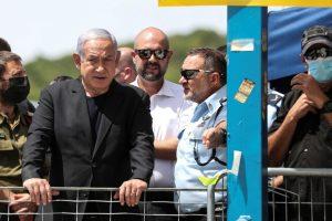 """""""الإسرائيليون"""" يستقبلون نتنياهو في الجرمق بهتافات: """"نازي"""" و """"مجرم قاتل"""""""