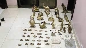 القطع الأثرية التي تم تسليمها