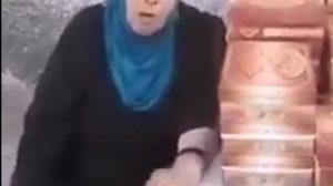 """بالفيديو.. محافظة دمشق و""""الكهرباء"""" تحرمان ثمانينية من مصدر رزقها في محل حلويات"""
