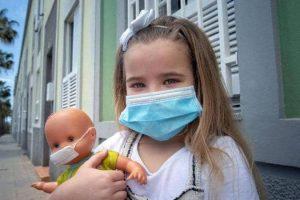 """300 طفل لقوا حتفهم .. الأطفال بحاجة للتطعيم ضد """"كورونا"""""""
