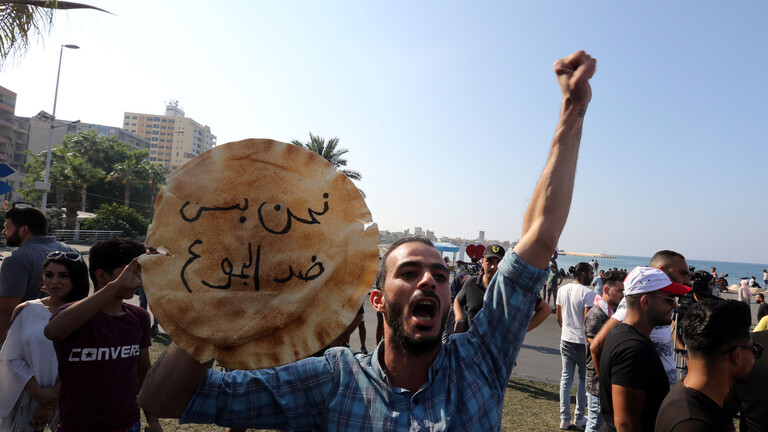 الخبز ينضم إلى الأدوية: نقص المازوت يهدد لقمة أفقر اللبنانيين