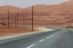 السعودية وعُمان تختصران المسافات بينهما نحو 800 كيلو متر عبر الربع الخالي