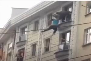 شاب سوري يحاول الدخول الى تركيا تهريبا
