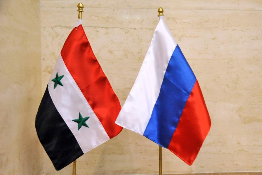 علم سورية و روسيا