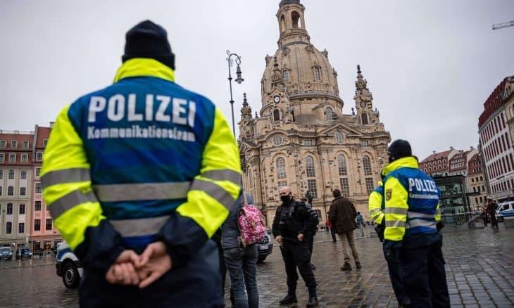 """القضاء الألماني يحاكم عائلة سورية """"داعشية"""" هاجمت عائلة سورية أخرى بالسكاكين في الشارع"""